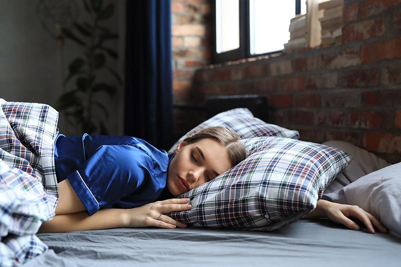 Jak niedobór snu wpływa na emocje?