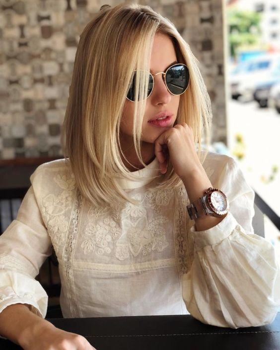 Proste blond włosy do ramion