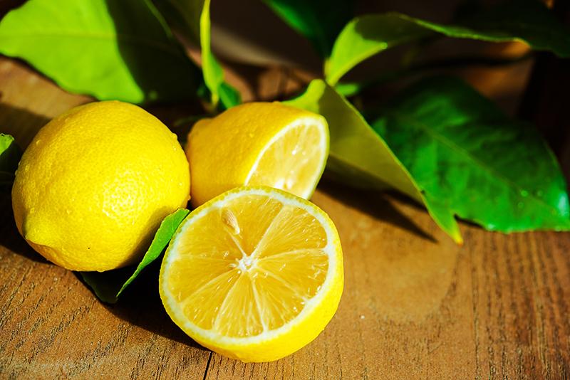 Zastosowanie cytryny przy pielęgnacji skóry