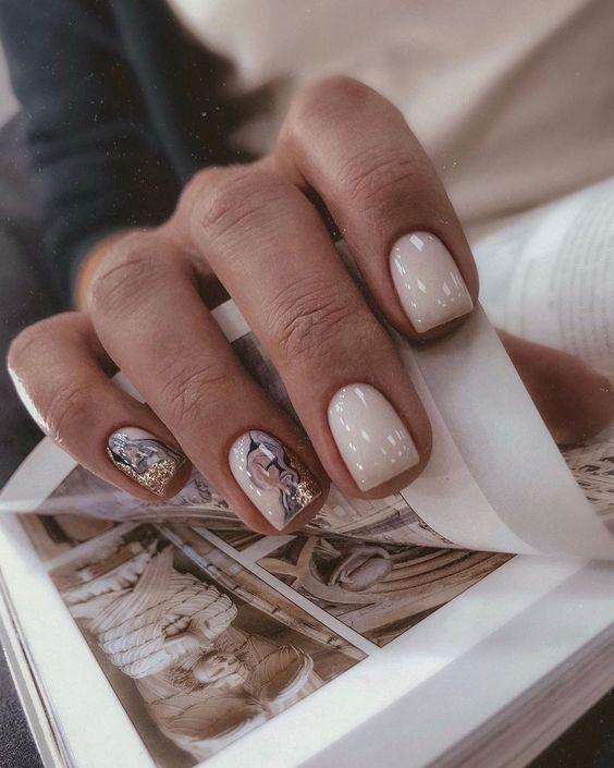 Kwadratowe paznokcie z wzorkami
