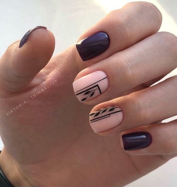 Kwadratowy manicure z geometrycznymi wzorami