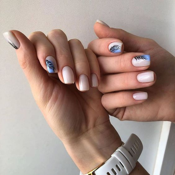 Kwadratowy manicure z wzorkami